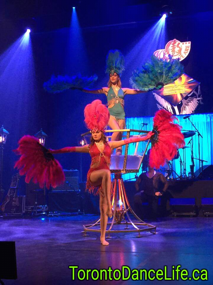 Giant Burlesque Champagne Glass performance